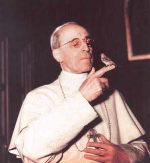 Su Pio XII, Bernard-Henri Levy lettore di Robert Faurisson?