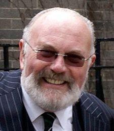David Norris chiede a Israele di smetterla di sfruttare l'Olocausto