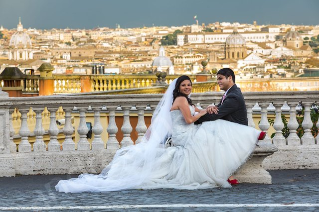 A newlywed couple in Rome