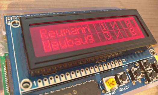 Raspberry Pi Public Transport Departure Monitor - Red: wait a bit to leave your apartment