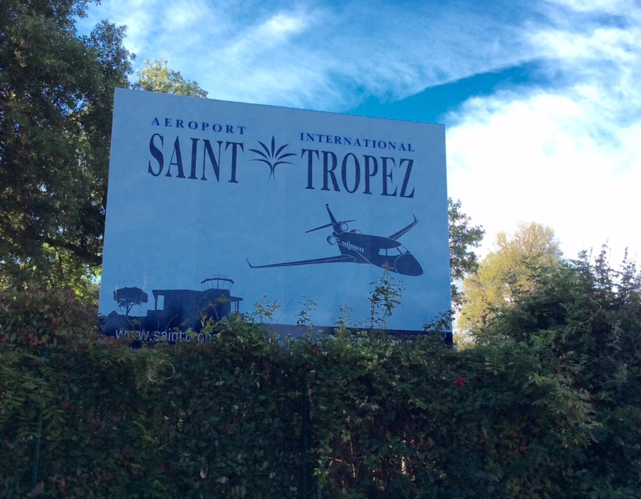 airport welcome sign, Saint Tropez, France