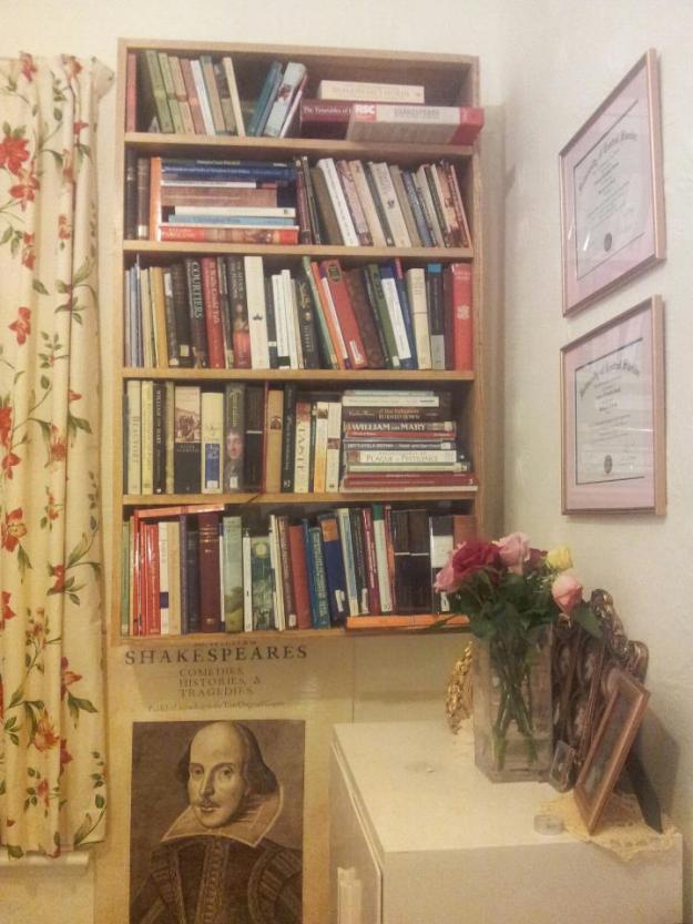 17thCLady'sBookshelf