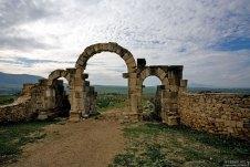 Ворота Tangier Gate в древнеримском городе Волюбилис.