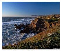 Скалы калифорнийского берега.