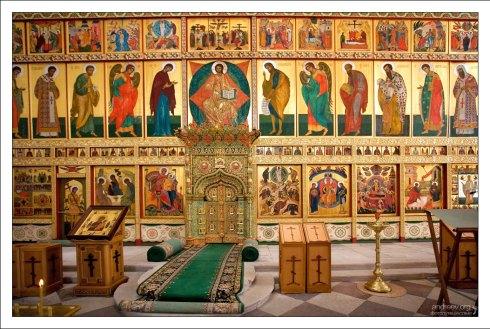 Спасо-Преображенский собор (16-й век) - главный храм Соловецкого монастыря.
