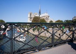 Замки любви на мосту Архиепископа.