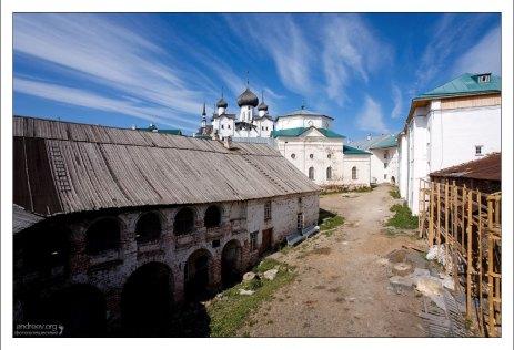 Корпуса монастыря.