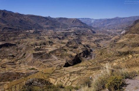 В ущелье Colca с до-инкских времен обосновались народы Collagua и Cabana.