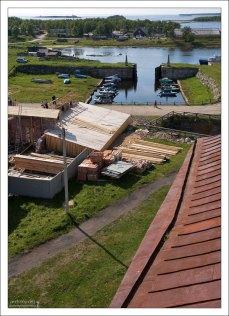 Сухой док. Сооружен на канале, соединяющем Святое озеро с Белым морем.