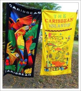 Пляжные полотенца с карибской символикой.