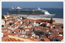 Судно Independence of the Seas круизной компании Royal Caribbean.