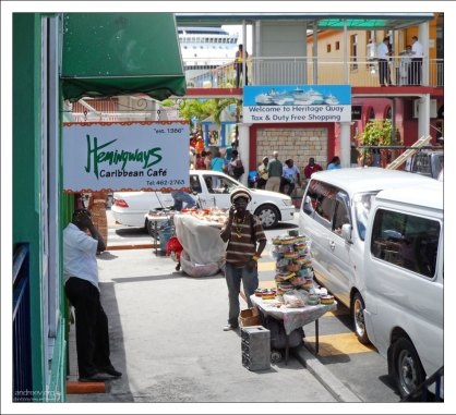 Начало зоны беспошлинной торговли в порту Сент-Джонса.