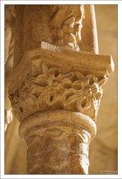 Вычурные колонны в монастыре Жеронимуш.