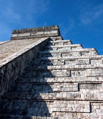 Строгие уровни Храма Кукулькана. Чичен-Ица.
