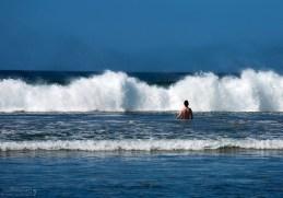 Яростный прибой у пляжа Naranjo.