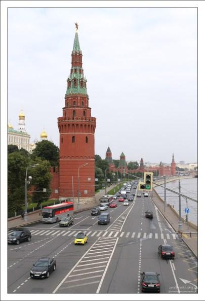 Водовзводная башня на углу Кремлевской стены.