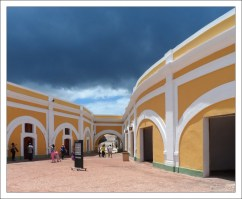 Главная площадь форта El Morro.