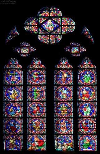 Витражные окна-ланцеты. Notre-Dame de Paris.