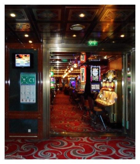 Вход в казино.