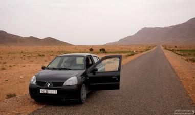 Шоссе, идущее параллельно границе с Алжиром.