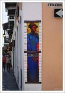 Реклама картинной галереи на улице в Сан-Хуане.