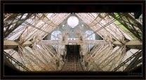 Лифтовая шахта внутри Эйфелевой башни.