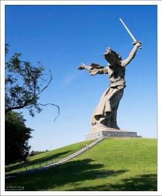 Скульптура «Родина-мать зовет!» на Мамаевом кургане.