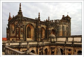 На крыше монастыря Конвенту-де-Кришту.