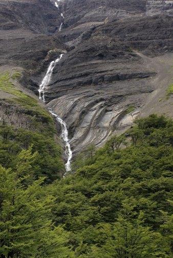 Сезонный водопад.