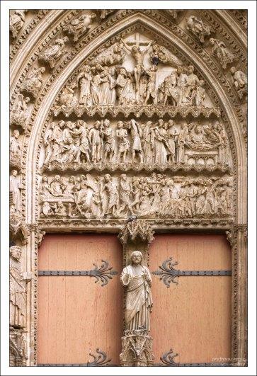 Тимпан на южном фасаде собора Руанской Богоматери.