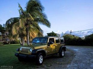 Jeep Wrangler Unlimited - наше средство передвижения по острову.