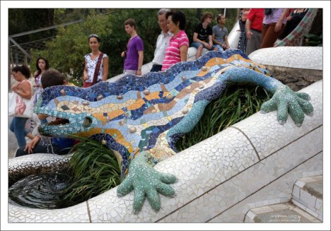 Мозаичная саламандра-фонтан. Parc Güell.