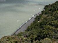 Льдины у берега озера Grey.