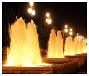 Каскады фонтанов на площади Испании.
