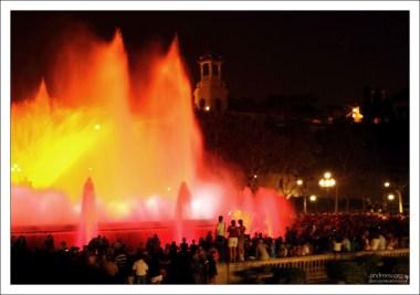 Магический фонтан Монжуика (Fuente mágica de Montjuic).