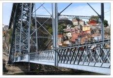 Мост Ponte Luís I сооружён по проекту ученика Эйфеля - Теофила Сейрига в 1886 году.