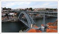 Мост Понте-де-Дон-Луиш с высоты Вила-Нова-де-Гайа.