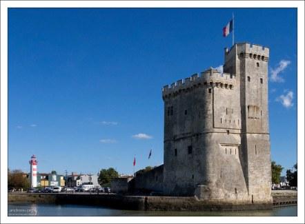 Оборонительная башня в гавани Ла-Рошели.