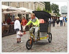 Рикша-такси.