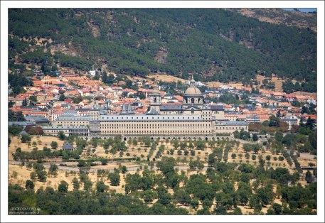 Монастырь Эль-Эскориал с высоты Стула Филиппа II.