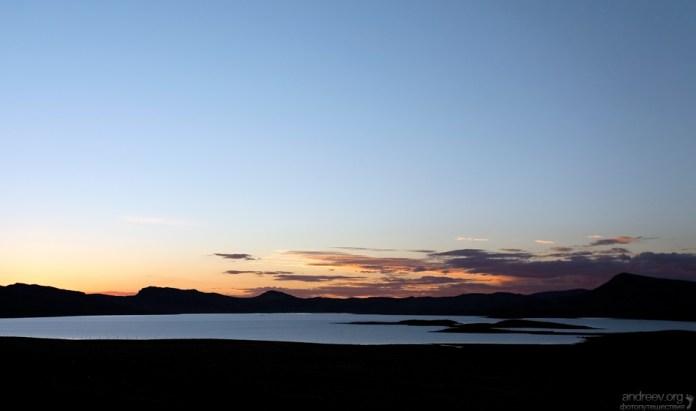 Высокогорное озеро на перуанском альтиплано.