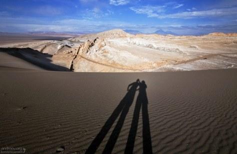Две тени :) Valle de la Luna.
