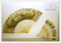 Веера 19-го века для дам, посещающих корриду.