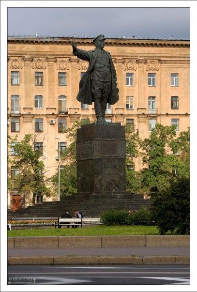 Памятник товарищу С. М. Кирову.