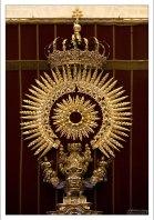 Гигантская серебряная корона, расположенная в Серебряном Алтаре. Севильский собор.