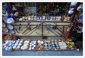 Сувенирная лавка перед собором. Сеговия, Испания.