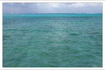 Характерный для Карибов цвет воды.