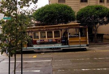 Один из знаменитых трамвайчиков Сан-Франциско.