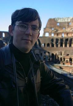 В амфитеатре Колизея.