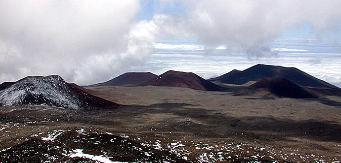 Лунный пейзаж. Вершина горы Mauna Kea.